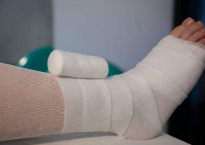 Verband an einem Bein